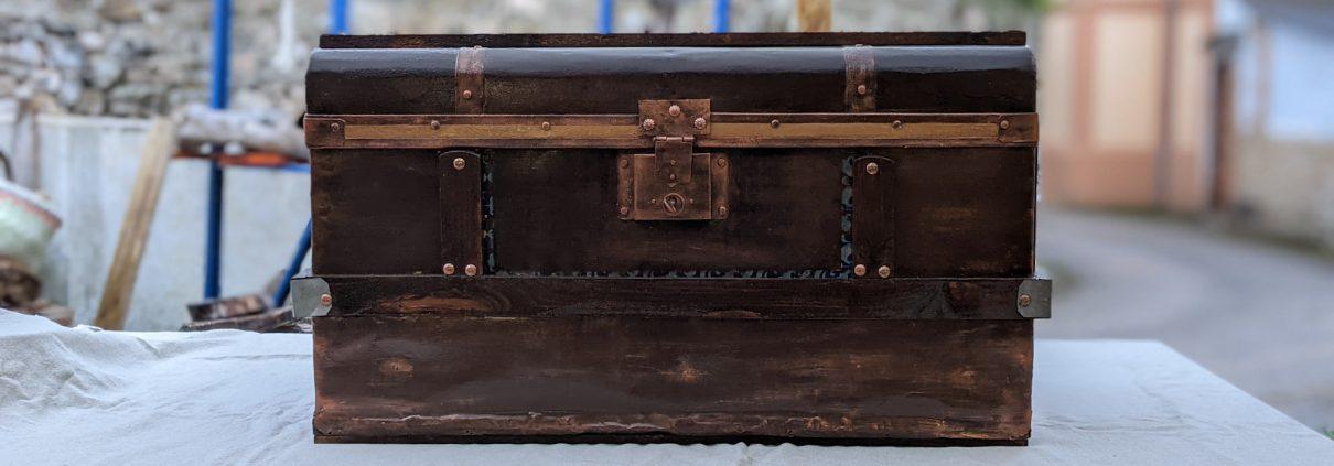 baúl restaurado de 70 años de antiguedad